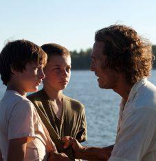 Ellis (Tye Sheridan) and Neckbone (Jacob Lofland) encounter Mud (Matthew McConaughey)