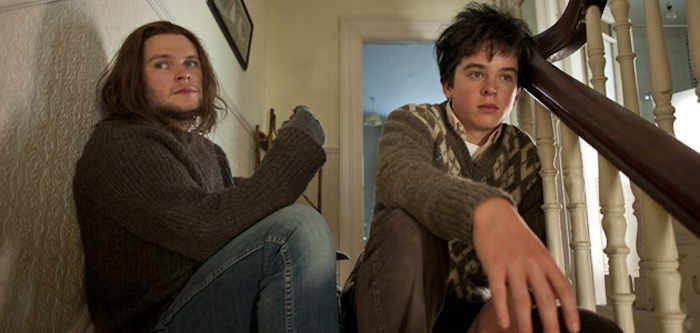Conor (Ferdia Walsh-Peelo) gets a lot of great life and music tips from his elder brother Brendan (Jack Reynor)